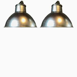 Lampade metalliche industriali, anni '70, set di 2