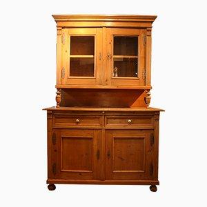 Mueble de cocina antiguo de madera blanda