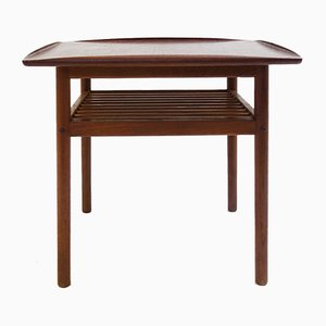 Niedriger Skandinavischer Tisch aus Teak, 1960er