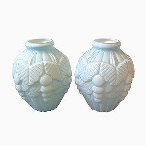 Hellblaue französische Art Deco Vasen aus Opalglas, 1930er, 2er Set