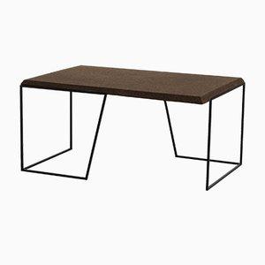 Grão #1 Tisch mit Platte aus dunklem Kork & schwarzen Beinen von Mendes Macedo für Galula