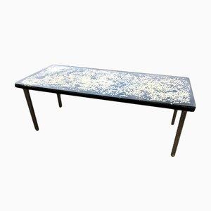 Tavolino in resina con inserti di Pierre Giraudon, anni '70