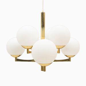 Lampada sferica dorata con otto braccia e sfere in vetro opalino, anni '60