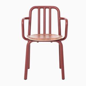 Silla Tube marrón con asiento de nogal y reposabrazos de Mobles114