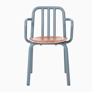 Graublauer Tube Stuhl aus Nussholz mit Armlehnen von Eugeni Quitllet für Mobles114
