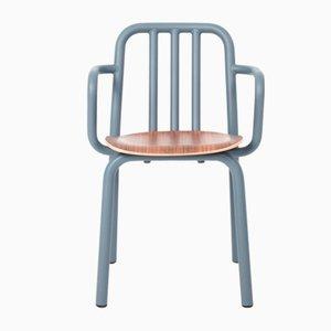 Graublauer Tube Stuhl aus Nussholz mit Armlehnen von Mobles114