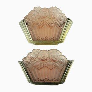Applique Art Déco in vetro pressato rosa di Noverdy, anni '30