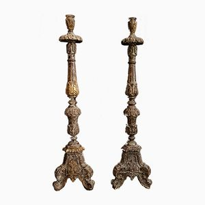 Große antike Kerzenhalter aus geschnitztem Holz, 2er Set
