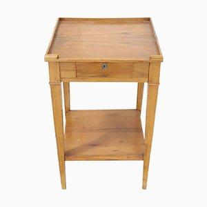 Mesa de centro antigua de madera maciza