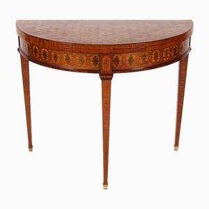Halbmondförmiger antiker Kartentisch mit Parkettmuster