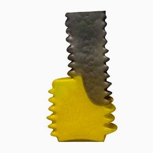 Schwarz-gelbe Shifting Shape Vase von Jonatan Nilsson, 2017