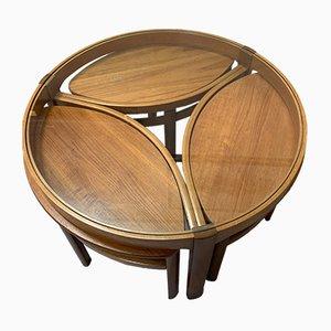 Tavolino da caffè in teak e vetro con tre sgabelli, anni '70