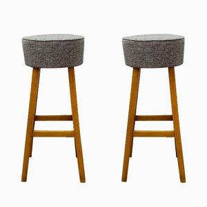 Holzhocker mit bezogenen Sitzen, 1960er, 2er Set
