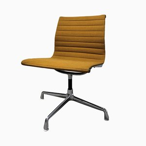 Gelber Vintage EA108 Schreibtischstuhl von Charles & Ray Eames für Herman Miller, 1970er