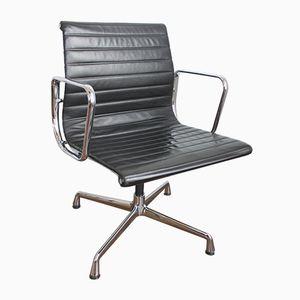 Chaise EA 108 en Aluminium et Cuir par Charles & Ray Eames pour Vitra, 1988