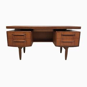Vintage Schreibtisch aus Teak von Victor Wilkins für G-Plan
