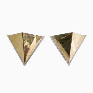 Apliques de pared italianos triangulares de latón y metacrilato, años 80. Juego de 2
