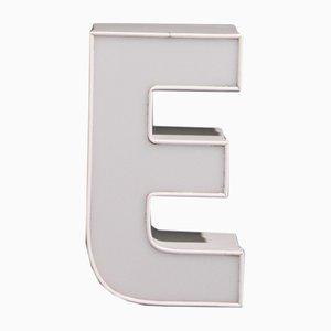 Letra E vintage blanca, años 80
