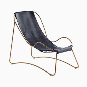 Chaise Lounge HUG de acero envejecido y cuero vegetal curtido azul de Jover+Valls