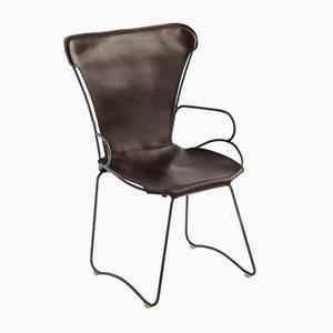 Hug Armlehnstuhl mit Gestell aus rauchschwarzem Stahl & dunkelbraunem Sitz aus pflanzlich gegerbtem Leder von Jover+Valls