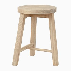 Tabouret Rond Two en Frêne par Another Country