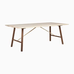 Mesa de comedor Dining Table Two pequeña de fresno y nogal de Another Country