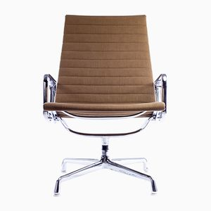 Aluminum Group Lounge Chair by Charles & Ray Eames for Herman Miller, 1950s