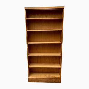 Librería vintage de madera