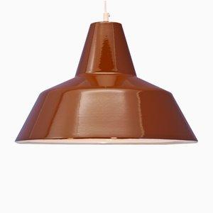 Lámpara colgante danesa esmaltada en marrón de Louis Poulsen, años 60