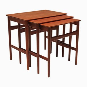 Tavolini ad incastro in teak di Hans J. Wegner, anni '60