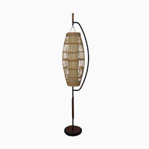 Lámpara de pie danesa de teca y cestería, años 50