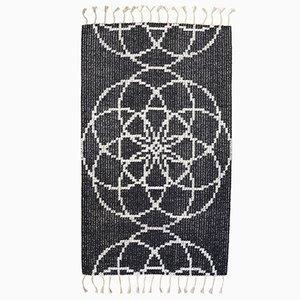 Handgewebter Seed of Life II Teppich von Jacqueline James