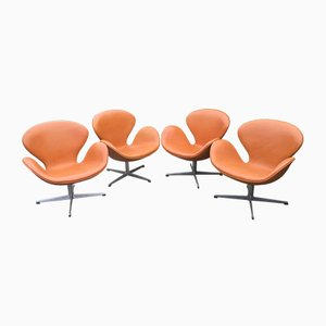 Cognac Leather Swan Chairs by Arne Jacobsen for Fritz Hansen, 1960s, Set of 4