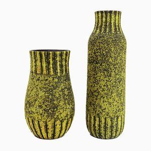 Jarrones italianos de cerámica amarilla y negra, años 50. Juego de 2