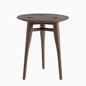 Table Basse Chilgrove Ronde en Noyer par Sjoerd Vroonland pour Revised