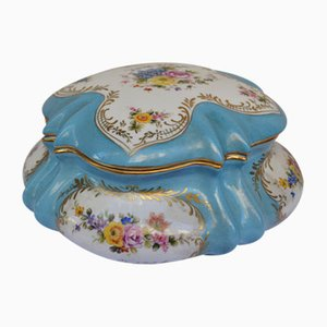 Caja francesa de cerámica con tapa, década de 1900