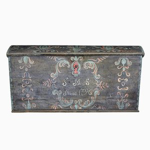 18th-Century Swedish Hand-Painted Oak Trunk with Dome Top