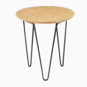 Tavolino in castagno di Rose Uniacke
