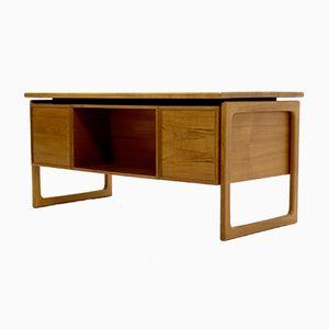 Mid-Century Schreibtisch aus Teak von G.V. Gasvig für GV Møbler, 1960er