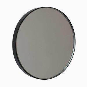Specchio grande Orbis rotondo argentato con cornice nera di Alguacil & Perkoff