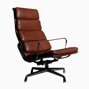 Poltrona EA222 in pelle di Charles & Ray Eames per Herman Miller, anni '60