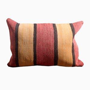 Handbesticktes Kelim Kissen aus Wolle & Baumwolle gestreift in Gelb & Rot von Zencef