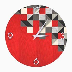 Reloj de pared Dolcevita Brio Triangles rojo de madera con incrustaciones de Lignis