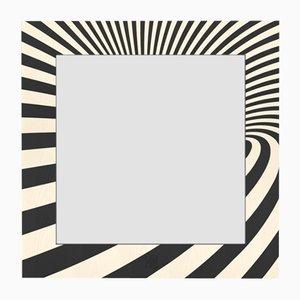 Specchio a muro Optical della collezione Dolcevita in frassino intarsiato bianco e nero di Lignis