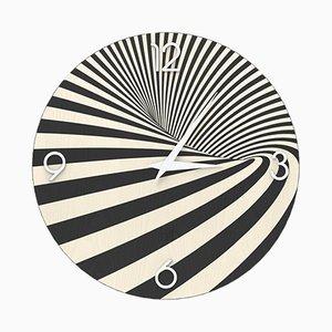 Orologio a muro Optical della serie Dolcevita in legno intagliato di Lignis