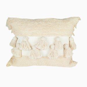Cojín Tassel Furry natural de Nieta Atelier
