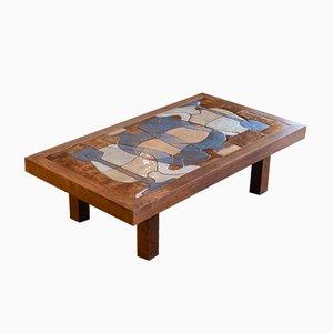 Mesa de centro con base de madera y tablero de azulejos, años 60
