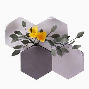 Teumsae Wandvasen in kühlem Grau mit handgefertigten Blumen von Extra&ordinary Design, 4er Set