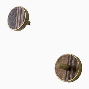 Vertikaler INVERSO Wandhaken aus Eiche, Mahagoni und gefärbter Wenge von Lignis, 2er Set