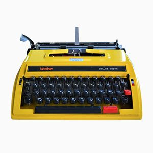 Tragbare Deluxe Schreibmaschine von Brother, 1970er